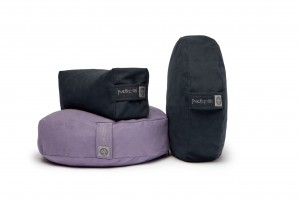 2 Meditation & 1 Travel Cushion_Black & Luna