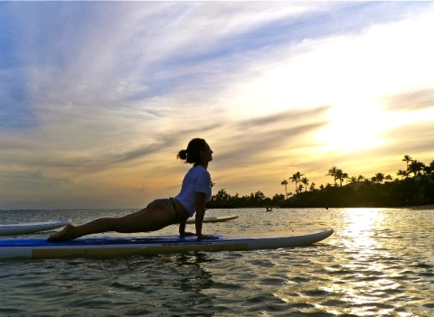 standup paddle board yoga  why it rocks  the daily